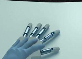 Sentire la mano artificiale come propria grazie alla realtà virtuale
