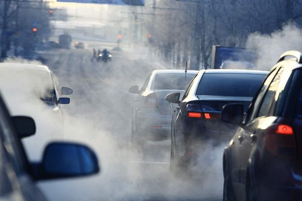Gli autoveicoli a combustione interna alimentati con combustibili fossili generano notevoli emissioni inquinanti