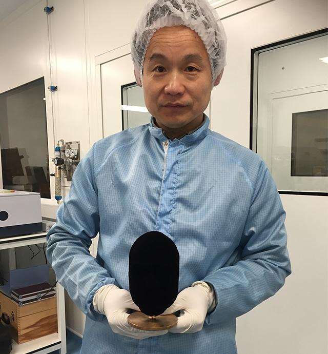 Dal MIT la nuova frontiera mondiale dell'ultrablack: la tecnica CNT che ha scavalcato Vantablack