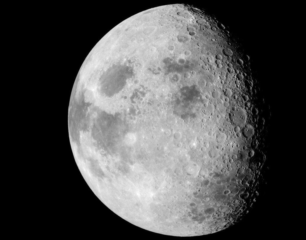 produrre acqua sulla luna