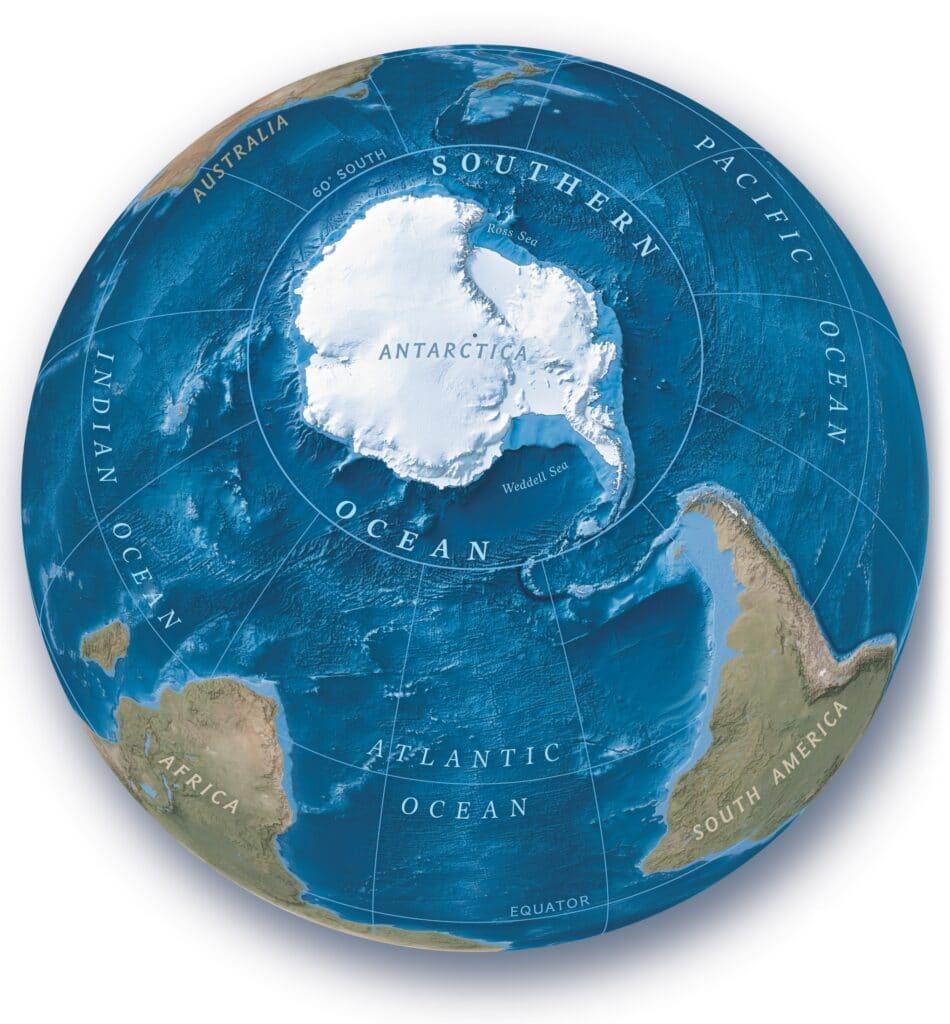 Localizzazione dell'oceano Antartico (Southern) e di altri tre dei cinque oceani terrestri: Pacifico, Atlantico, Indiano. Crediti: Matthew W. Chwastyk, and Soren Walljasper, NGM Staff. Eric Knight Sources: NASA/JPL; Green Marble