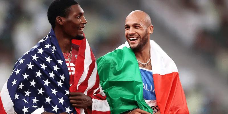 Marcell Jacobs e Fred Kerley (argento) dopo la finale 100 metri di Tokyo 2020. Crediti: Ryan Pierse/Getty Images